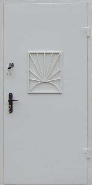 железная дверь с кассовым окном